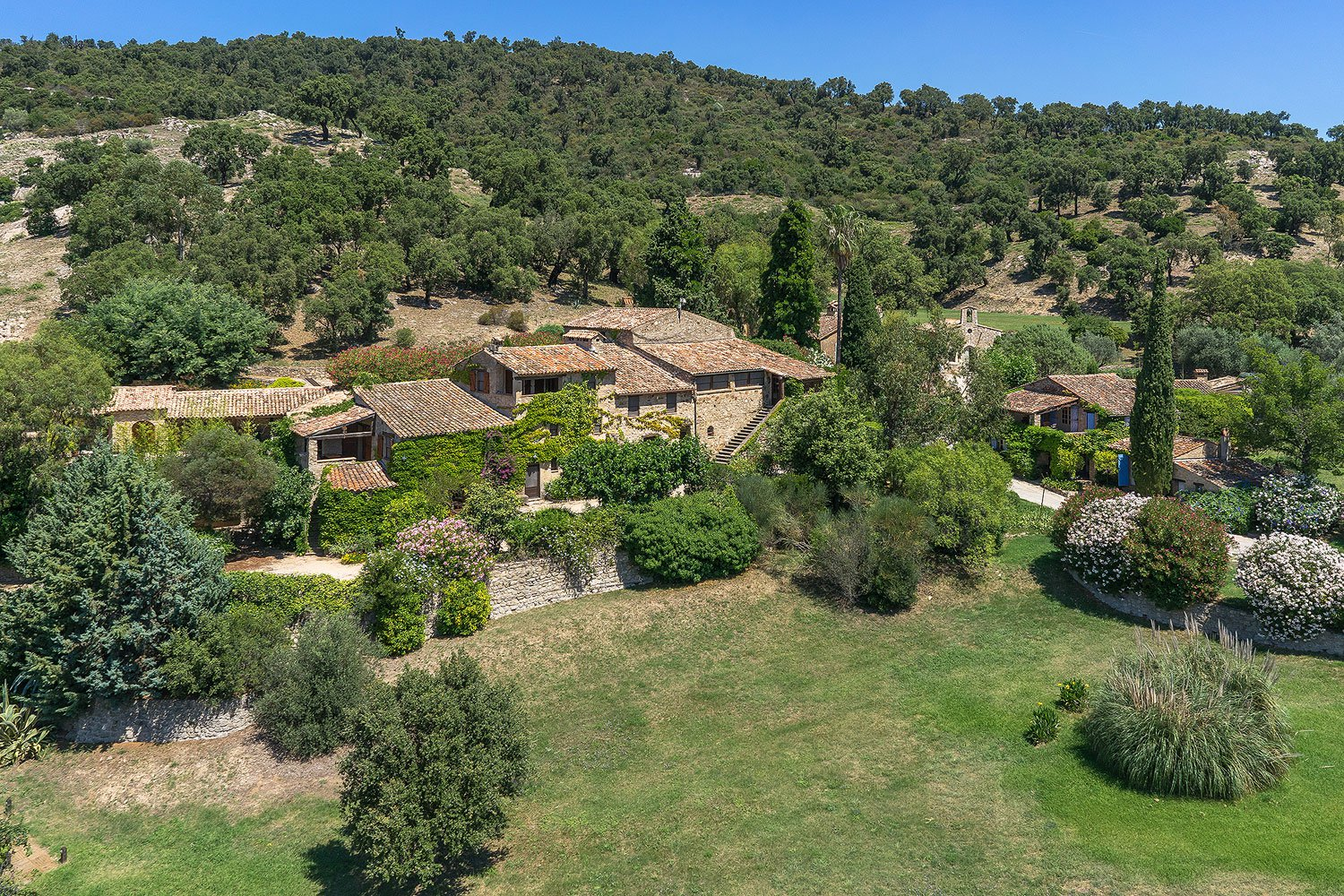 Off market properties in the South of France