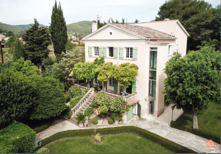 5 bed House - Villa For Sale in Toulon Area,