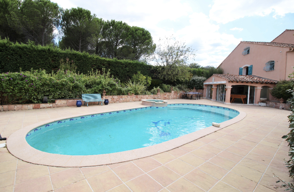 3 bed House - Villa For Sale in St Raphael area,