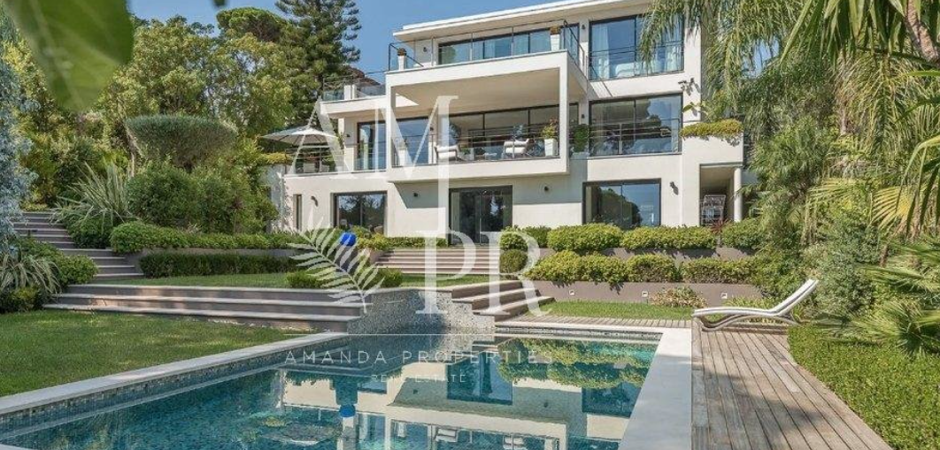 6 bed House - Villa For Sale in Cannes Area,