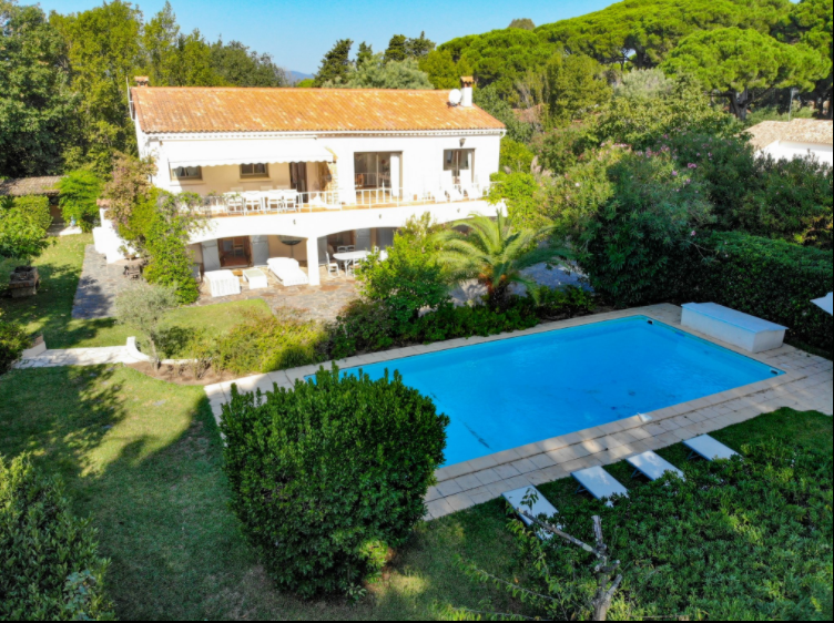 5 bed House - Villa For Sale in ,