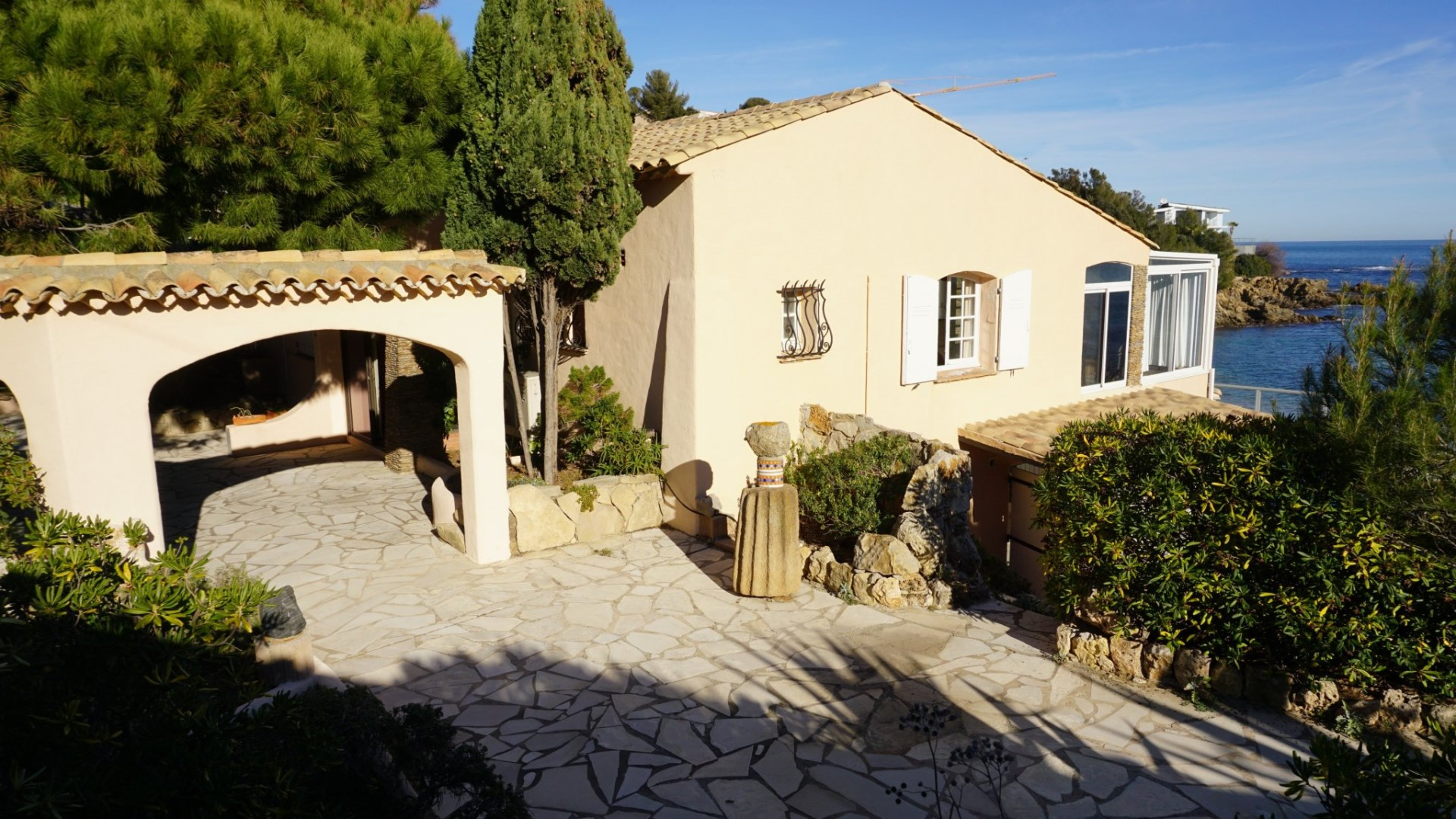 5 bed House - Villa For Sale in St Raphael area,