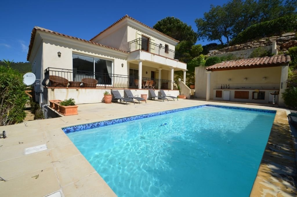 4 bed House - Villa For Sale in St Raphael area,