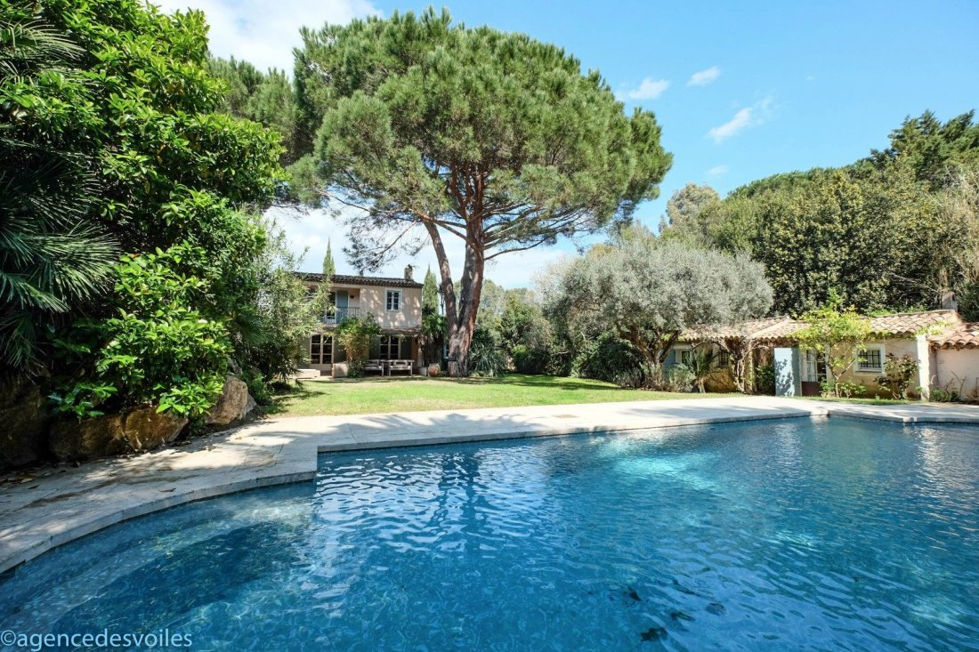 5 bed House - Villa For Sale in St Tropez area,