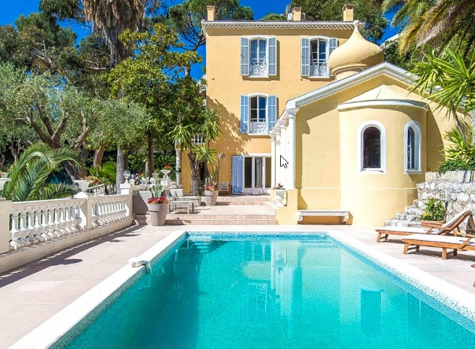 5 bed House - Villa For Sale in Nice area,