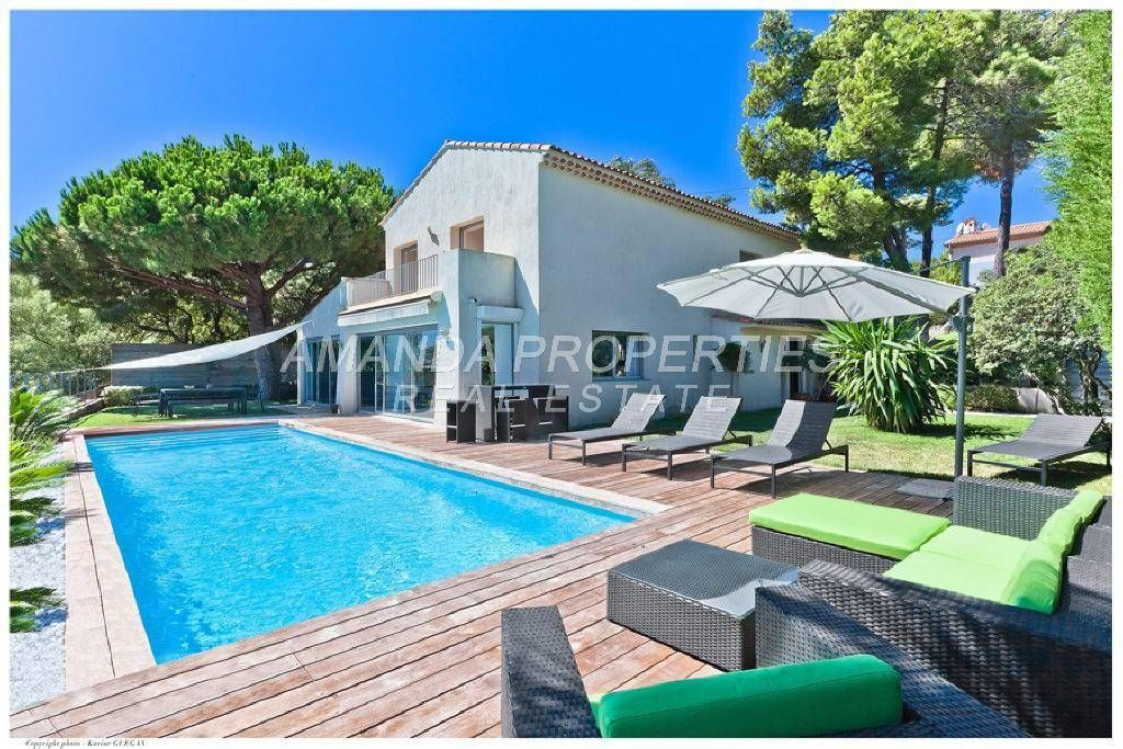 4 bed House - Villa For Sale in Cannes area,