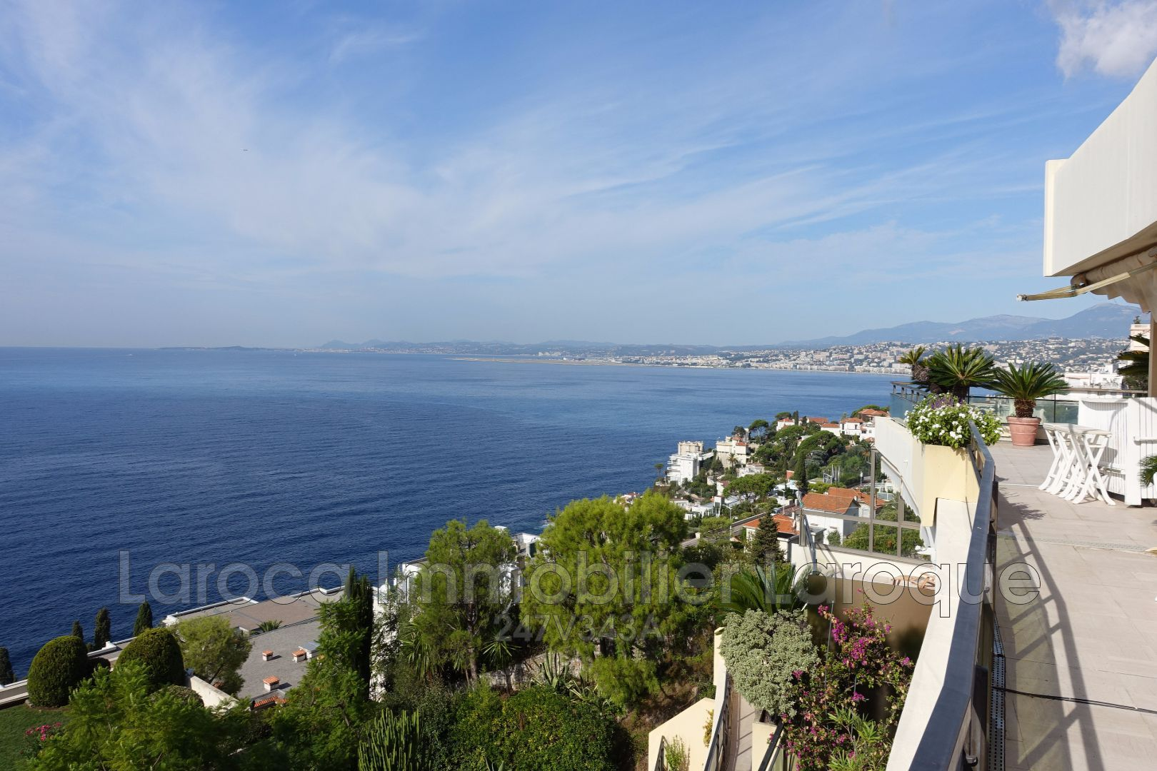 3 bed Apartment For Sale in Nice area,