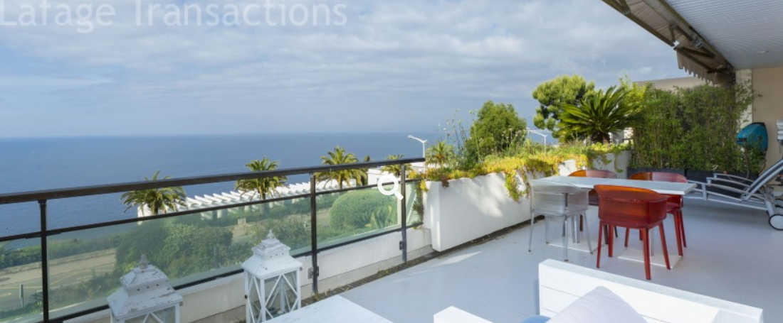 2 bed Apartment For Sale in Nice Area,